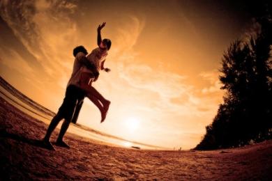 聊天技巧,提高挽回前男友成功率-八月情感